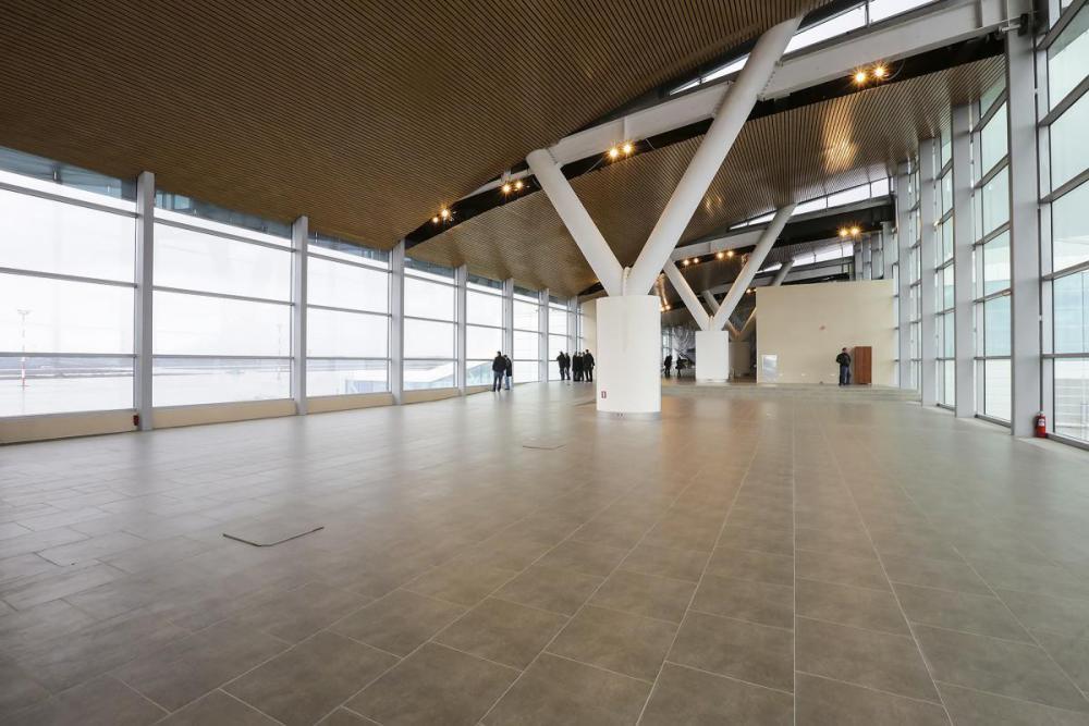 платов аэропорт фото внутренних помещений.jpg