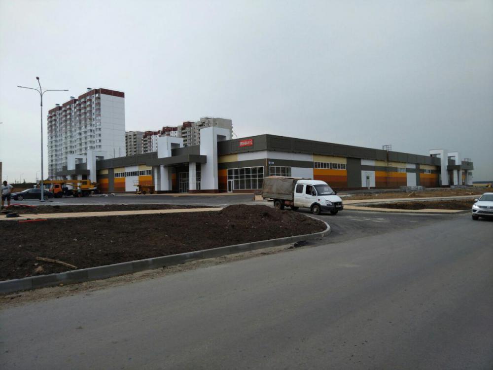 торговый центр в суворовском микрорайоне.jpg