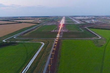 взлетная полоса аэропорта платов.jpg