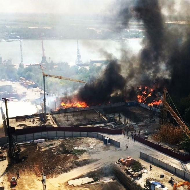 пожар рядом с жилым комплексом тихий дон на нижегородской.JPG