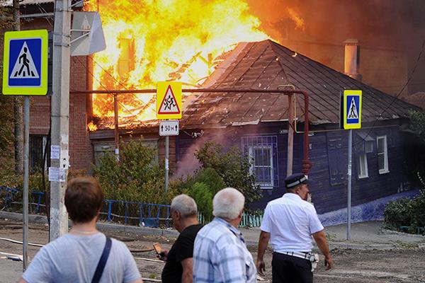 фото пожара в ростове 21 августа 2017 года.jpg