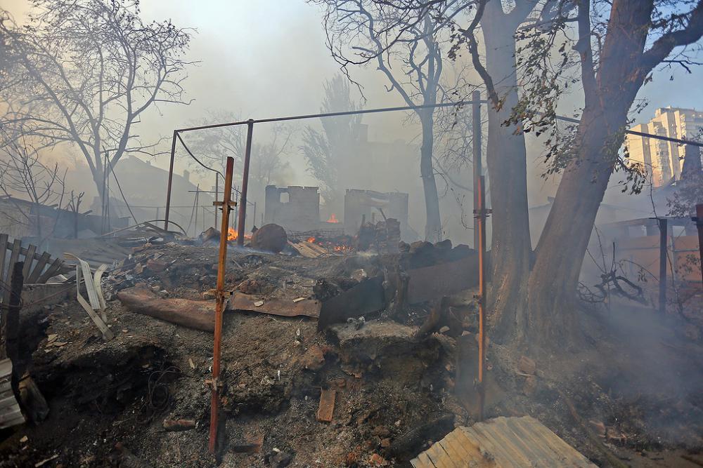 фото сгоревших домов в ростове.jpg