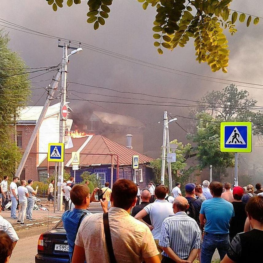 пожар на театральной в ростове 21 августа.JPG