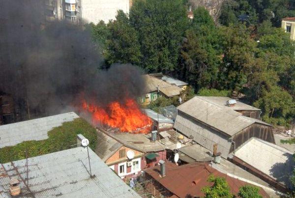 фото пожара в нахичивани на 11 линии 20 сентября.jpg