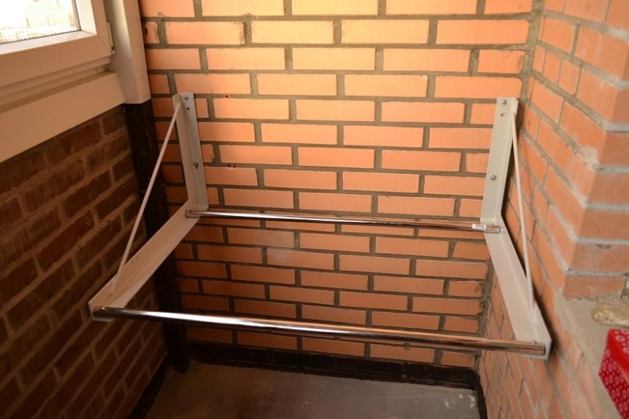 Хранение колес на балконе.