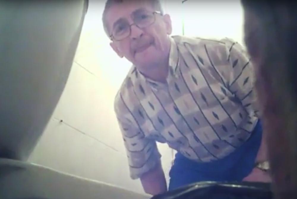 Извращенец устанавливает скрытые камеры в туалетах Ростова.png
